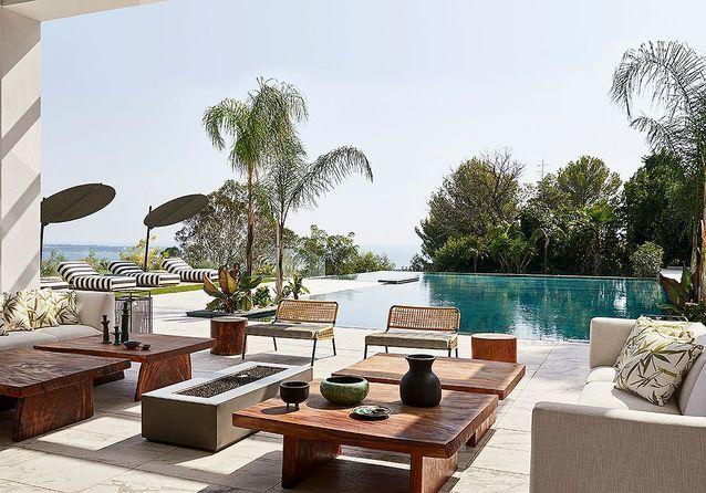 Riviera : Une incroyable villa contemporaine au cœur de la nature