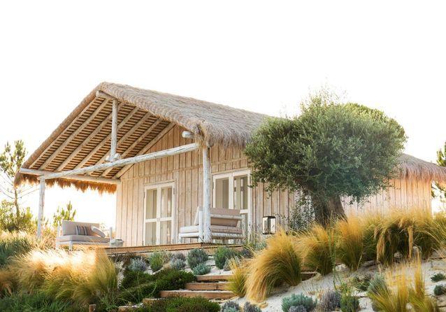 Une maison-cabane sur les dunes de Comporta, au Portugal