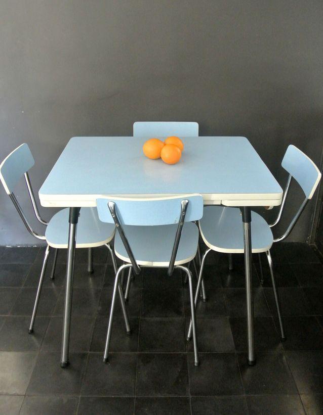 Une table en Formica