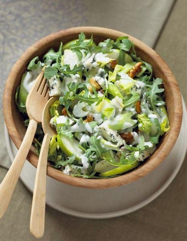Recette minceur rapide : salade de chou au céleri et à la pomme verte