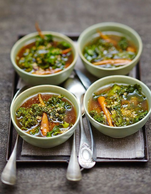 Soupe minceur à l'orge et au kale