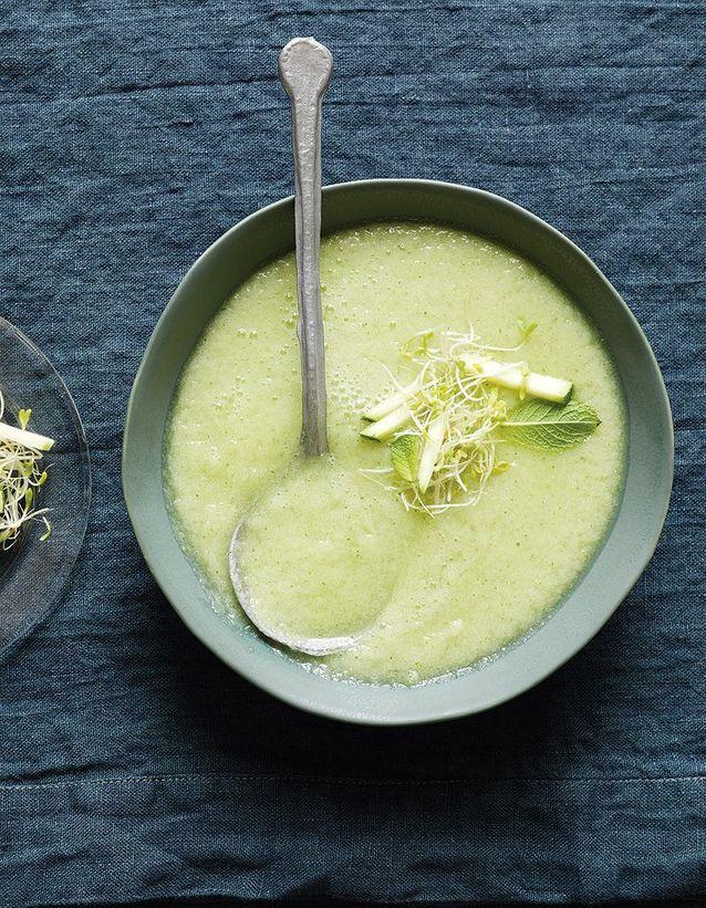 Soupe minceur froide de concombre, pommes et wasabi de Trish Deseine
