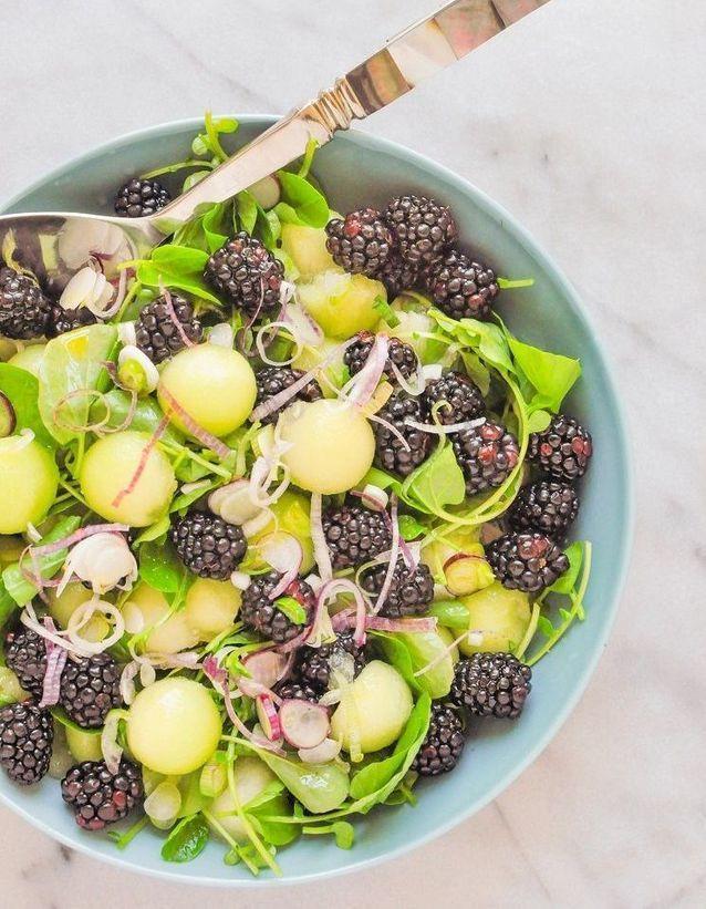 Salade healthy vegan au melon vert et mûres