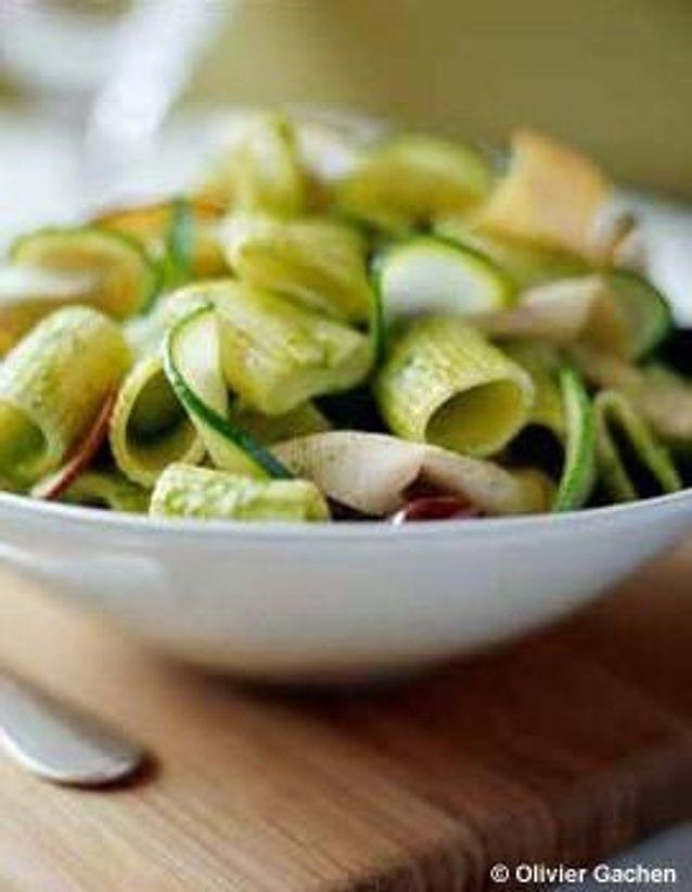 Cuisine recettes été grandes tablées : Salade de rigatoni et fines tranches de veau