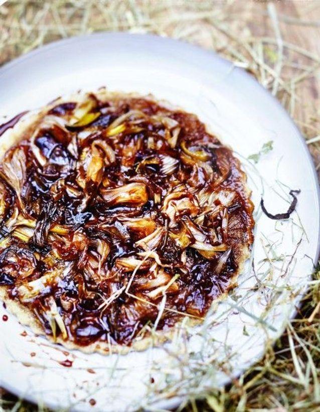Cuisine recettes été grandes tablées : Tarte fine à la farine de maïs, oignons balsamiques