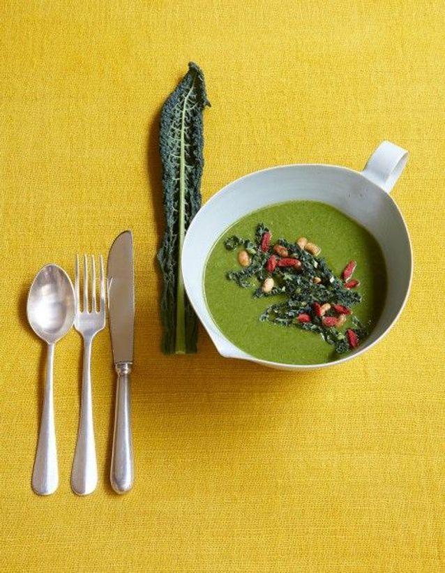 Soupe de légumes : Velouté de kale à la crème de soja