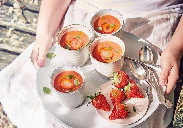 20 recettes de soupes froides parfaites pour l'été