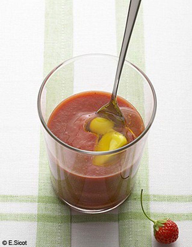Gaspacho de fraises, glaçon olive