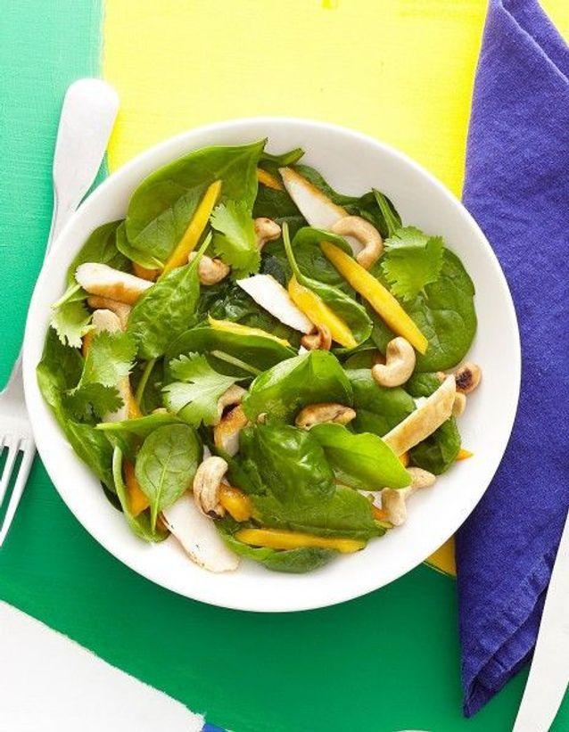 Salade d'épinards au poulet et a la mangue