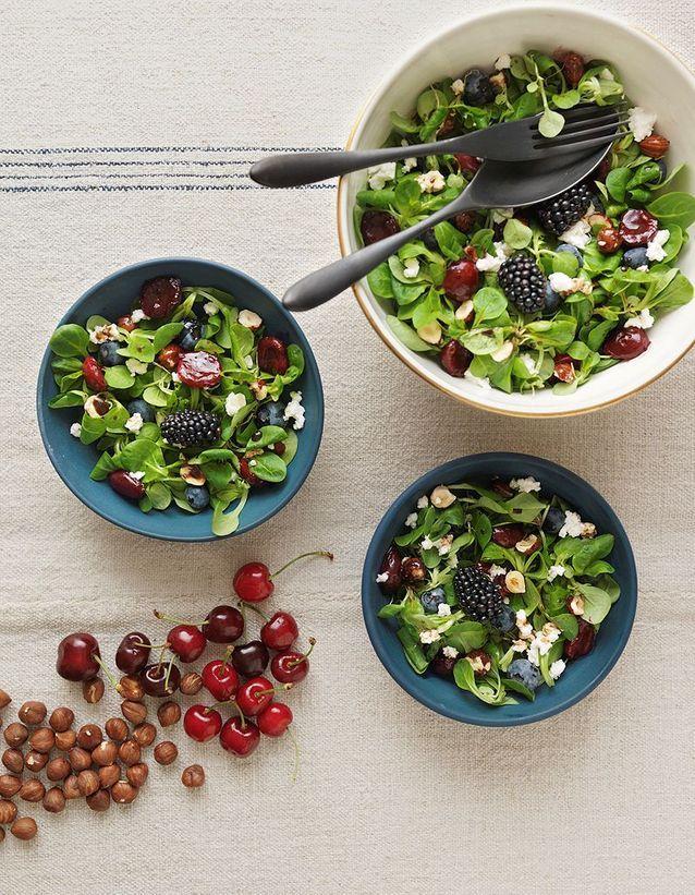 Salade mâche, cerises et chèvre