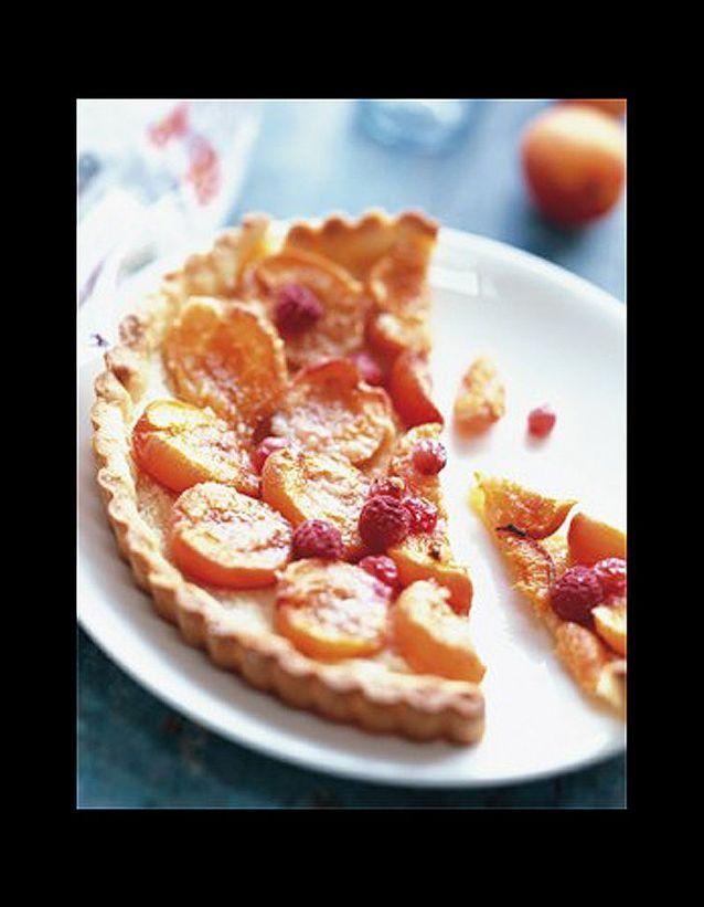 Tarte abricots, groseilles et framboises