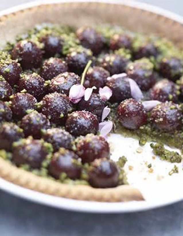 Tarte toute simple aux cerises et aux pistaches