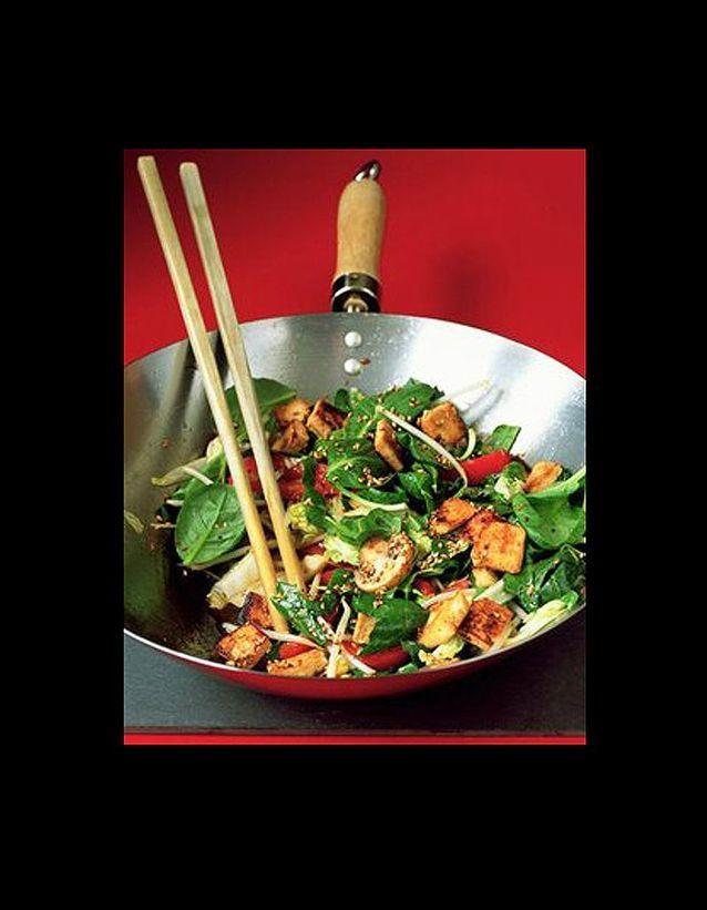 Tofu saute tomates sechees et basilic