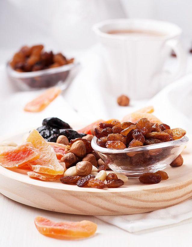 Les fruits secs (abricot secs, dattes, figues), des aliments riches en fer