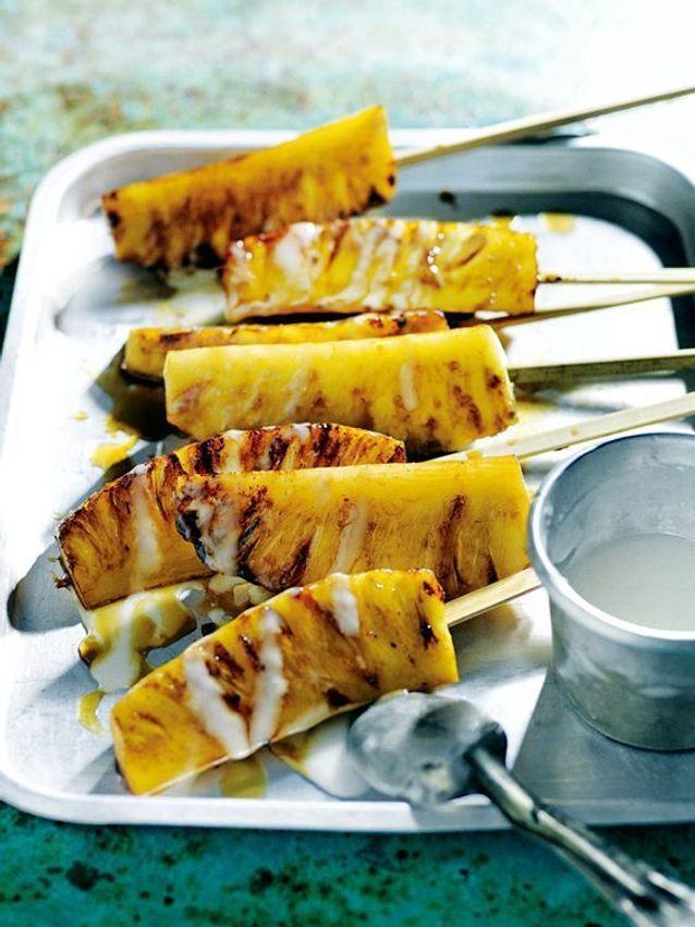 Brochette d'ananas caramélisé