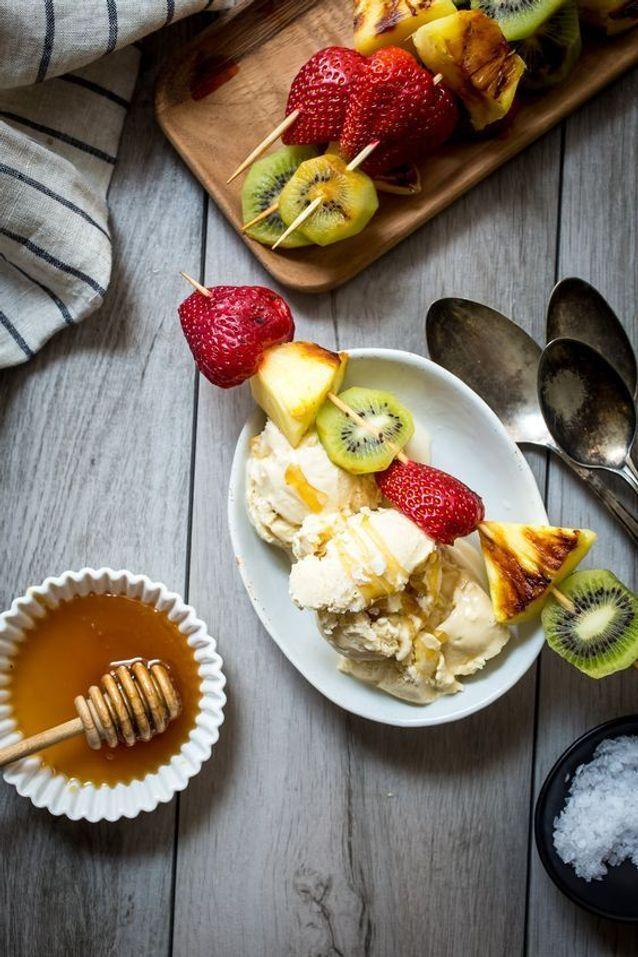 Brochette de fruits grillés au miel