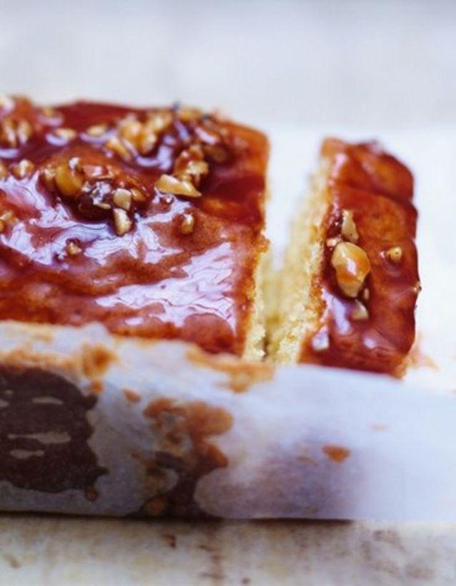 Cake amande et noisette, glaçage caramel