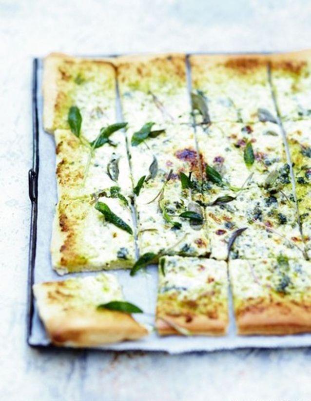 Pizza blanche à la sauge