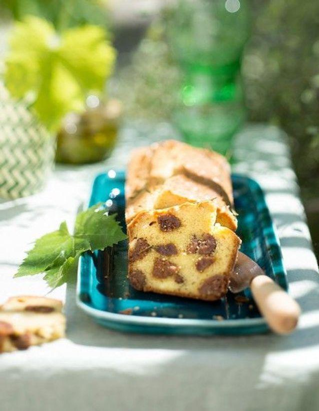 Cake sucré-salé aux figues et à la brousse