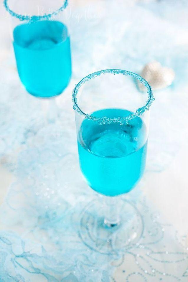 Cocktail bleu au champagne
