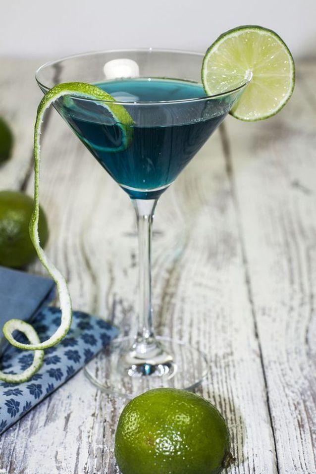 Cocktail blue lagoon vodka