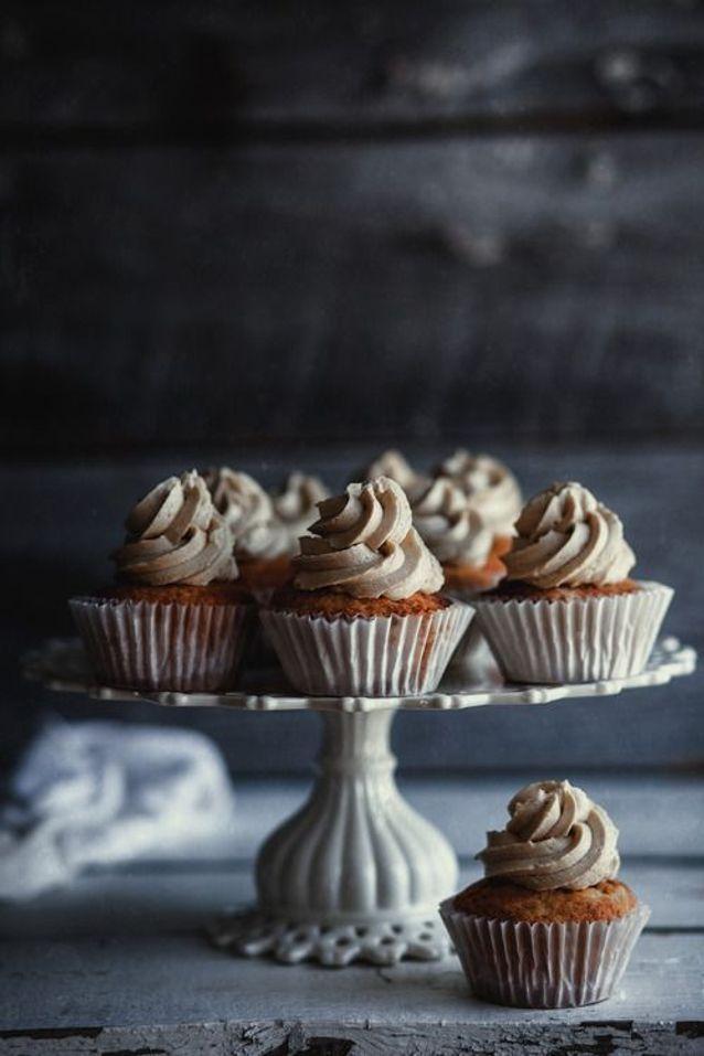 Cuisine campagne contemporaine : Cupcake à la vanille, glaçage au caramel salé