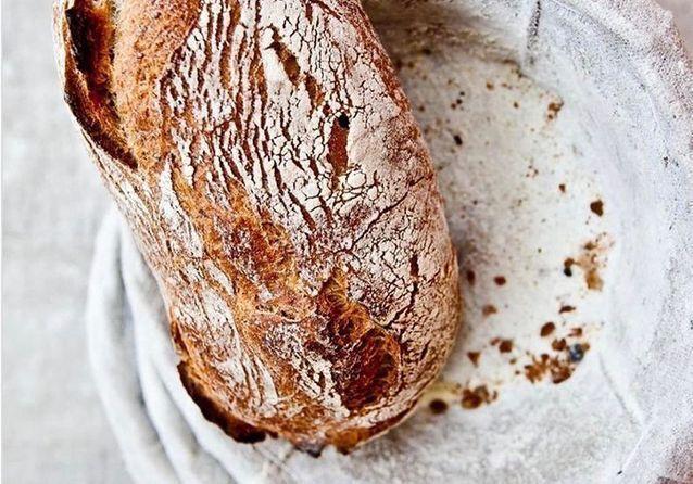 Faire son pain maison, l'activité star du confinement et des chefs