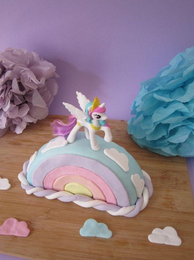 Gâteau licorne arc en ciel