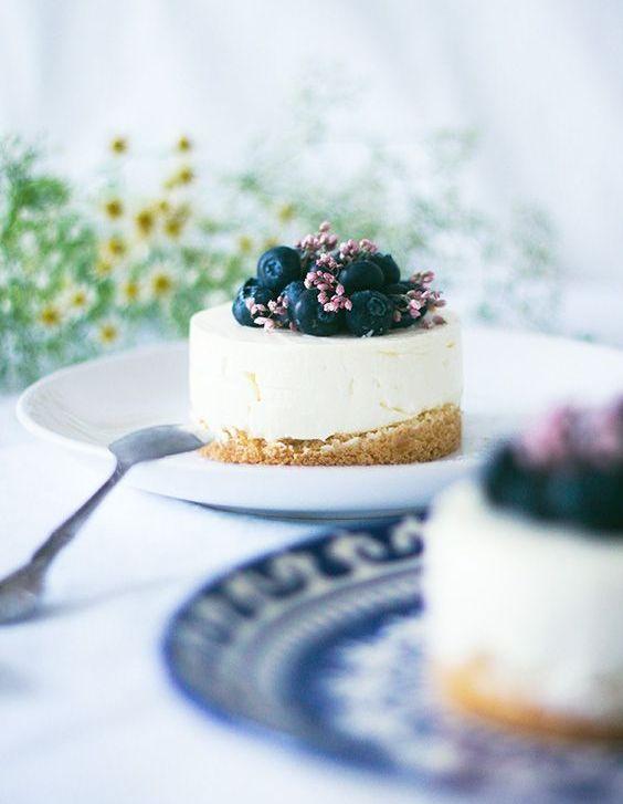 Gâteau à la vanille et aux myrtilles sans cuisson
