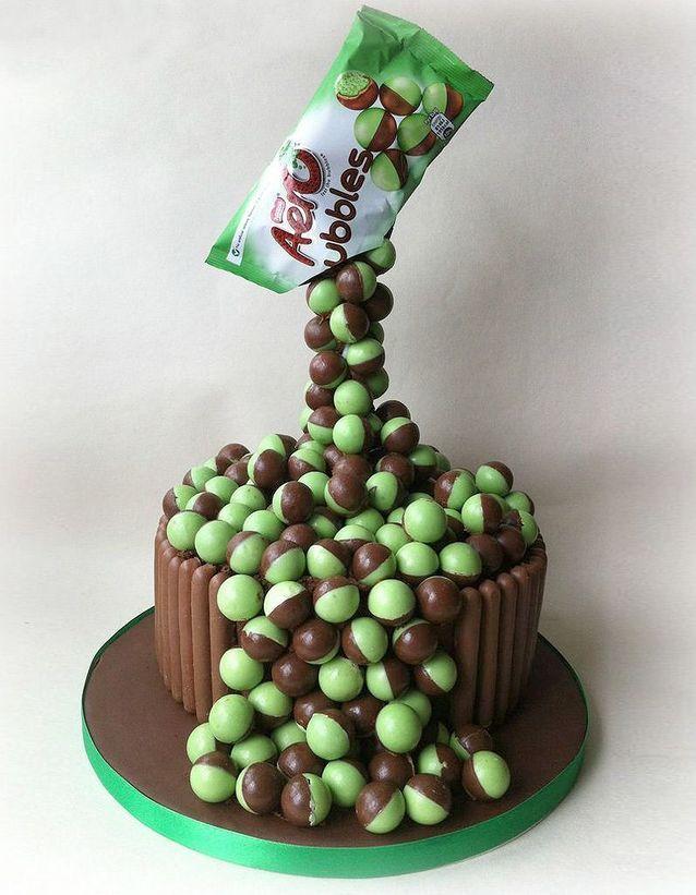 Gravity cake aux bonbons à la menthe