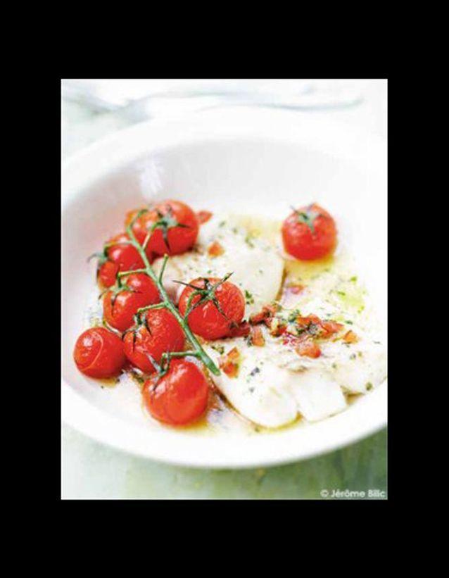 Pavés de cabillaud, sauce vierge, branches de tomates grillées