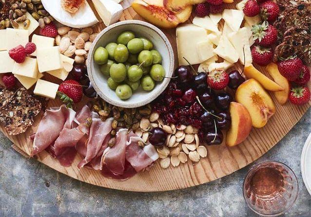Comment faire un plateau de fromage et charcuterie digne d'Instagram ?