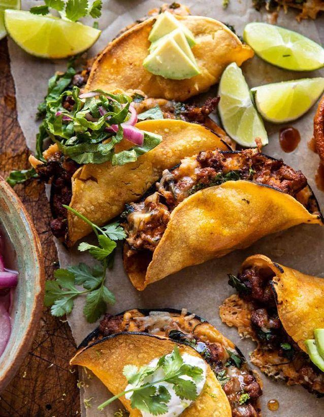 Tacos au poulet et sauce au yaourt