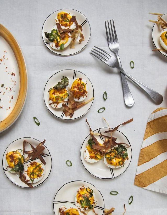 Œufs mimosa et chips de légumes