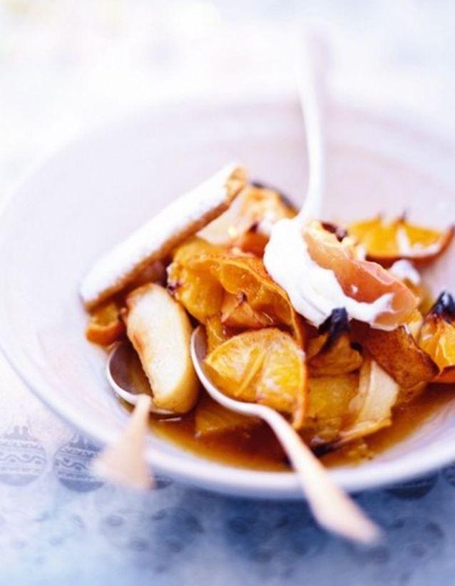 Fruits rôtis, crème fouettée