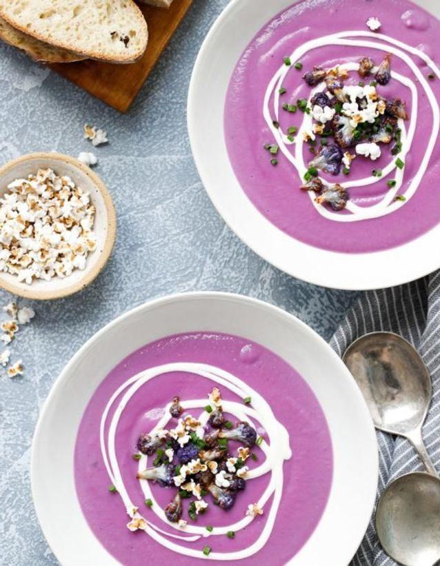 Soupe au chou-fleur violet et patate douce violette