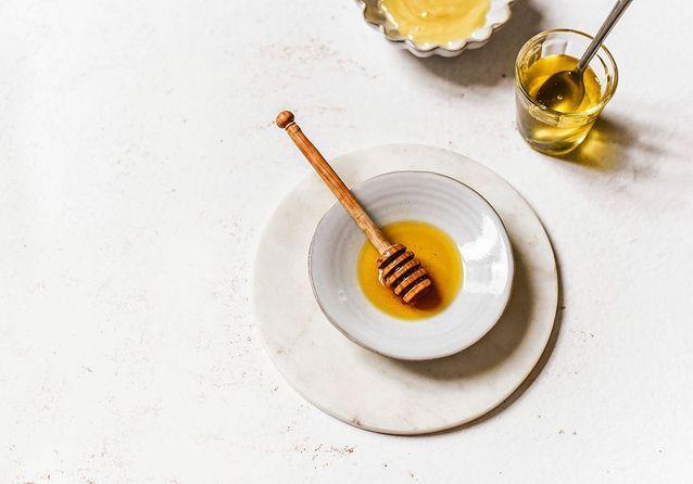 Tout savoir sur le miel : de la récolte à la cuisine