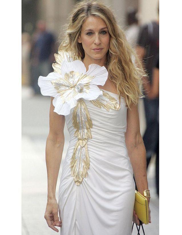 Sa robe à fleurs