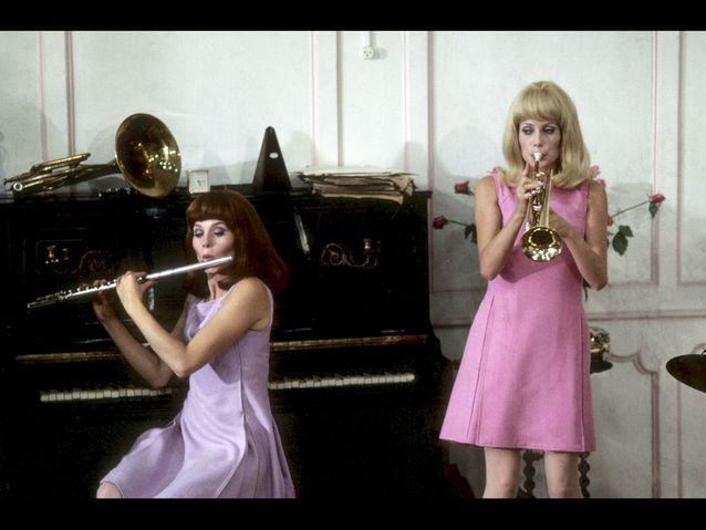 Exquise palette de pastels pour les robes-trapèzes des comédiennes