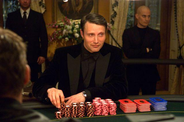 Mads Mikkelsen est « Le Chiffre » dans «  Casino Royale »