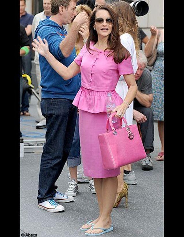 Charlotte en tailleur rose