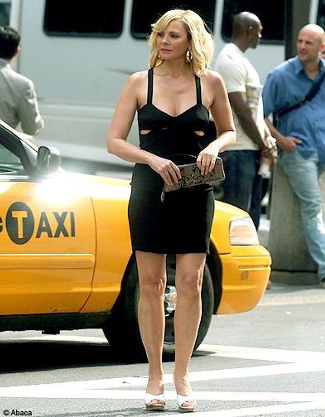 Samantha en robe noire