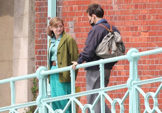 Harry Styles et Emma Corrin complices sur le tournage du film « My Policeman »