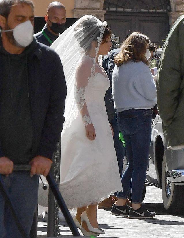Lady Gaga en robe de mariée