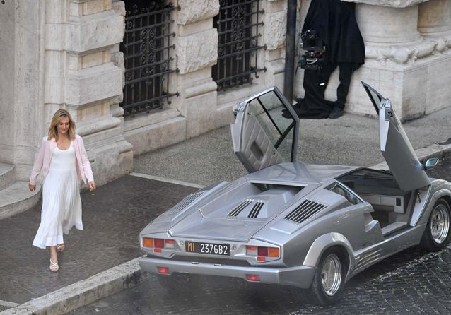 House of Gucci : les premières photos de Camille Cottin avec Adam Driver