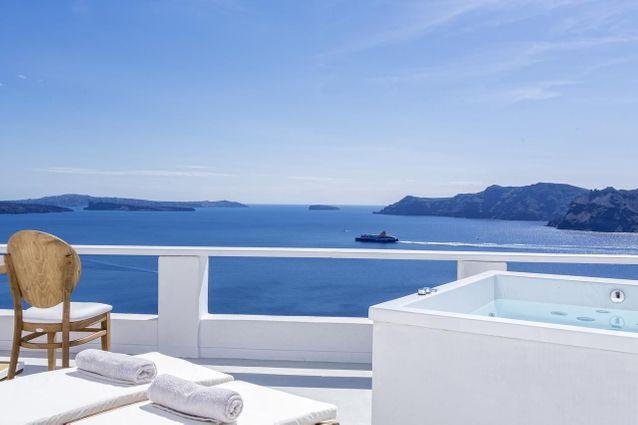 À Oia, Santorin : l'hôtel White Pearl Villas