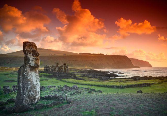 L'Ahu Tongariki est le site archéologique le plus important de l'île de Pâques puisqu'il comprend quinze moais.