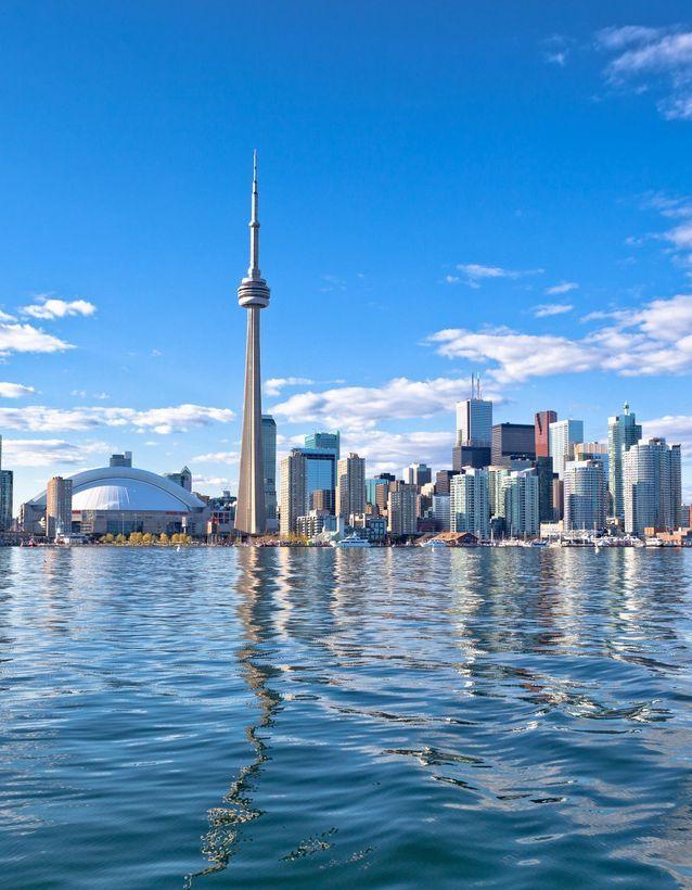 1) Le Canada