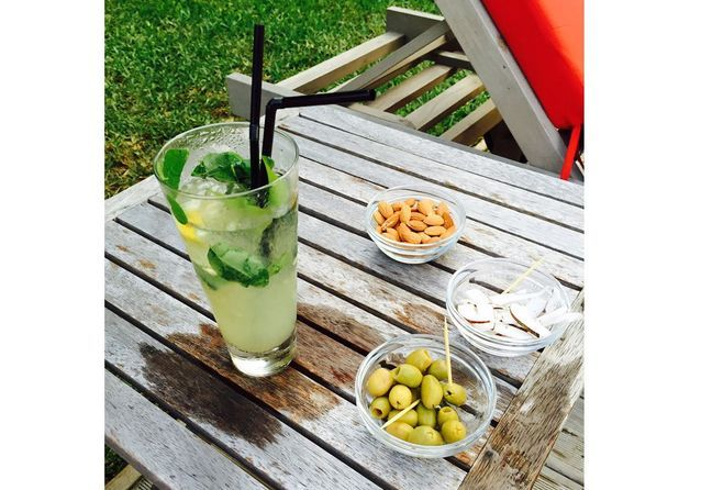 Siroter un mojito carry-poulet