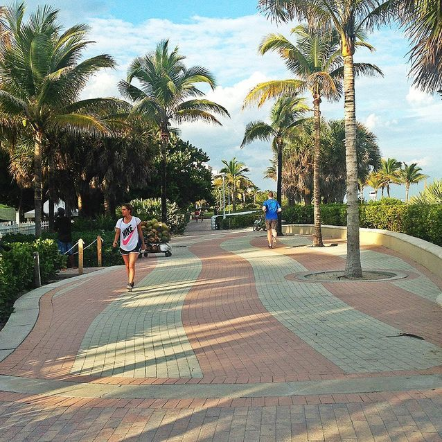 Courir sur Miami Beach Boardwalk